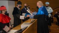 El director de l'ICRA, Damià Barceló, durant la seva investidura com a nou doctor honoris causa de la Universitat de Lleida