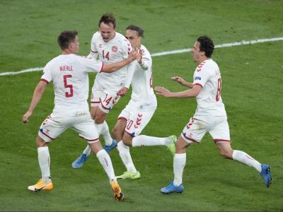 Eufòria danesa després del gol de Damsgaard