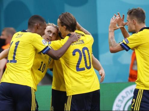Suècia acaba primera de grup