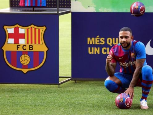 Depay ahir al Camp Nou