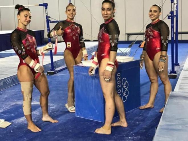 D'esquerra a dreta, Roxana Popa, Marina González, Laura Bechdejú i Alba Petisco