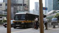 Una furgoneta de la presó porta Tong Ying-kit al Tribunal Superior per a una audiència, a Hong Kong