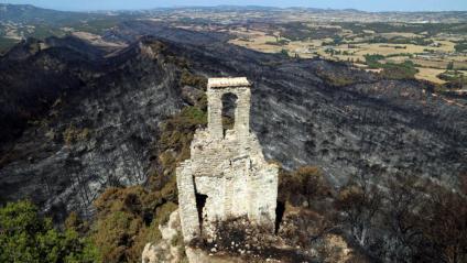 Vistes de la zona cremada a la Conca de Barberà i l'Anoia