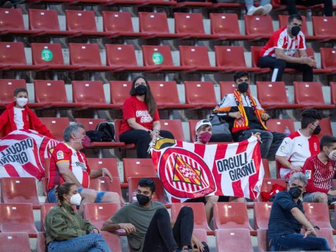 Una imatge de la graderia de Montilivi durant el partit de les semifinals del 'play-off' contra l'Almeria, el primer en què es va permetre l'entrada d'aficionats