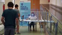 Gent fent cua per vacunar-se a Gandesa