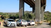 El punt d'accés a la zona on s'han trobat els cossos, en una zona de matolls entre el Pont de Vilomara i Sant Vicenç de Castellet