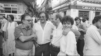 Joan Brossa, Carles Santos, Hermann Bonnin i Sabrine Dufrenoy, a la plaça Major el 1983