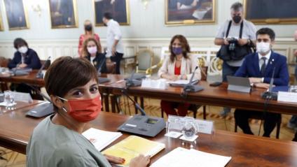 Vilagrà i Puigneró, davant de la ministra Isabel Rodríguez (Política Territorial) en la reunió de la comissió bilateral, ahir a Madrid