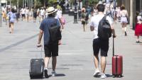 Turistes al Portal de l'Àngel de Barcelona
