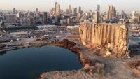 Imatge de les destrosses causades per l'explosió al port de Beirut un any després del sinistre