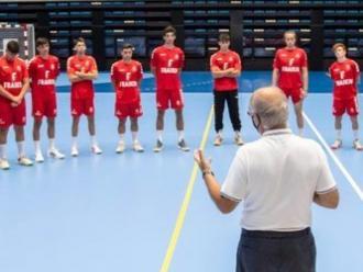 El president Josep Pujadas s'adreça als jugadors de la plantilla del BM Granollers