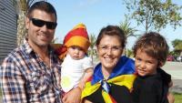 Engelbert Montalà, a la Via Catalana, amb la seva família