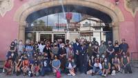Foto de família dels artistes que ahir al migdia van assistir a la presentació de la temporada, al Lliure de Montjuïc
