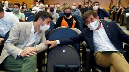 El vicepresident del govern, Jordi Puigneró, i el secretari general de JxCat, Jordi Sànchez, ahir, a l'auditori AXA, durant el primer consell nacional del partit