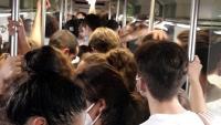 Tren d'FGC ple a vessar d'assistents a la festa de la UAB