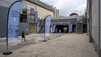 El punt de vacunació de la Fira de Barcelona , a Montjuïc, aquest cap de setmana. La gent hi ha anat amb comptagotes