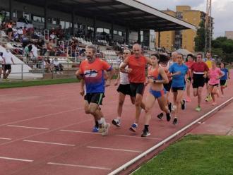 Homenatge. El CA Palafrugell va organitzar una cursa solidària dels 1.500 m en honor a les víctimes de la Covid-19