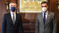 El president del govern espanyol, Pedro Sánchez —dreta—, i el secretari general de l'OTAN, Jens Stoltenberg, avui dimecres a Nova York