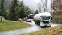 Un camió circulant per l'N-230 a pocs metres de l'entrada de Vielha