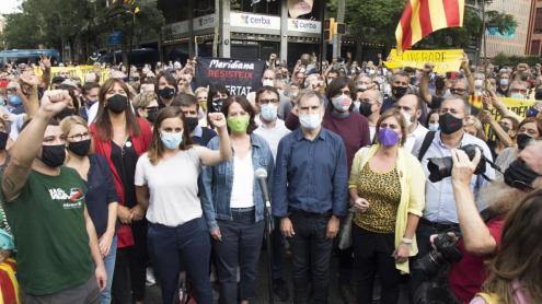 Els dirigents independentistes, a la concentració a prop del consolat italià a Barcelona