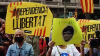 Gent concentrada aquest divendres contra la detenció de Puigdemont