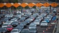 El trànsit en cap de setmana ha crescut respecte al 2019; a la imatge, el peatge de la Roca en sentit Barcelona el diumenge 12 de setembre