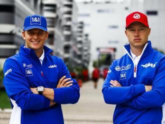 Schumacher i Mazepin continuiaran a Haas