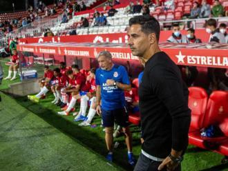 Míchel Sánchez, en els prolegòmens del partit que el seu equip va disputar a Montilivi contra l'Sporting