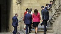 Les dues delegacions de la taula de negociació, el dia 15, quan es van reunir al Palau de la Generalitat