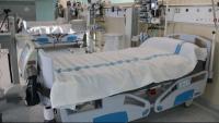 Llits buits en l'espai annex a l'Hospital Germans Trias i Pujol en una imatge d'arxiu