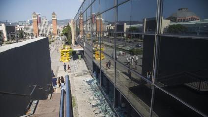 Desperfectes a l'avinguda Maria Cristina