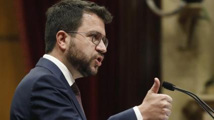 Aragonès durant el seu discurs al debat de política general