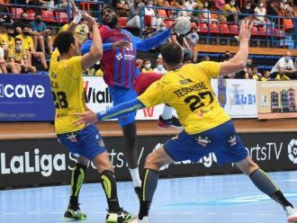Dika Mem (5 gols) ha brillat en la primera part al Pavelló Artaleku