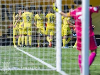 Marcos, amb els braços oberts després del 2-0