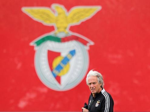 Jorge Jesus, durant un entrenament a la ciutat esportiva del Benfica
