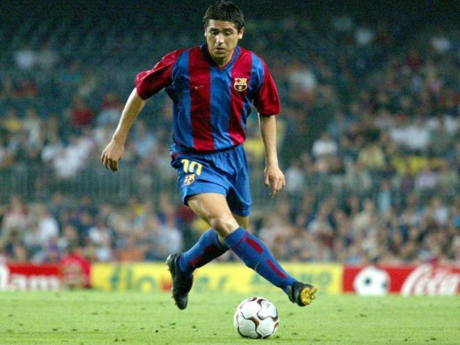Rivaldo i Riquelme també van estrenar el dorsal 10 veient porteria