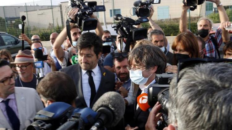 El president Puigdemont, ahir a les sis de la tarda sortint de la presó de Bancali, a Sàsser, Sardenya