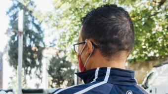 Zakaria fotografiat en un parc de la ciutat de Girona, on està empadronat i on té actualment tots els referents