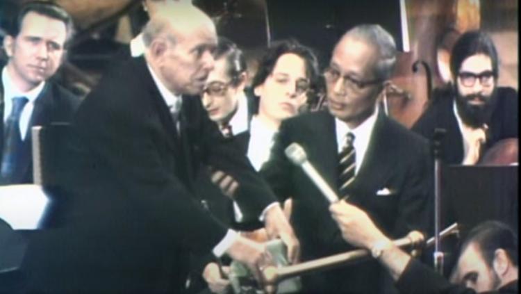 Pau Casals, al costat d'U Thant, en el moment del discurs a les Nacions Unides, el 1971