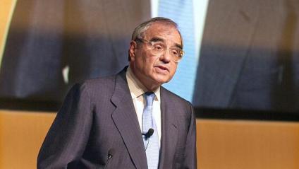 Rodolfo Martín Villa , ministre de Relacions Sindicals i de Governació en els primers governs després de la mort del dictador Franco, en una imatge d'arxiu del 2002