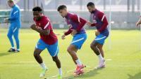 Ansu Fati, Coutinho i Memphis, en la sessió d'ahir