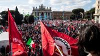 La manifestació va aplegar ahir a unes 100.000 persones contra el feixisme als carrers de Roma