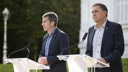 Arkaitz Rodríguez, de Sortu i Arnaldo Otegi de Bildu
