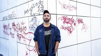 L'artista Daniel Gasol, fa uns dies al barri del Raval
