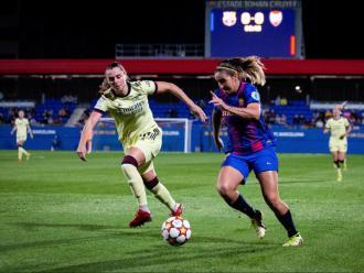 Mariona Caldentey, en una acció del partit contra l'Arsenal