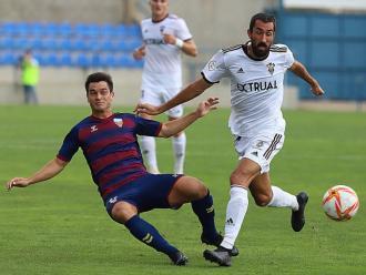 Galindo, en una acció del partit contra l'Albacete