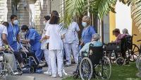 La vacunació d'una tercera dosi als residents de la Feixa Llarga, a l'Hospitalet