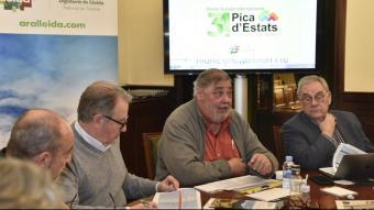 Antonio Franco (segons per la dreta) en la reunió del jurat del 31è Premi Pica d'Estats a la Diputació de Lleida, el 8 de febrer del 2021