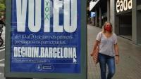 Un cartell de l'Ajuntament de Barcelona convidant la població a participar en la distribució del pressupost