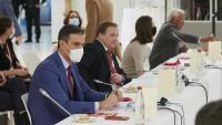El president del govern espanyol durant una de les trobades amb altres líders amb motiu de la cimera de caps d'estat i de govern dels 27 celebrada a Brussel·les